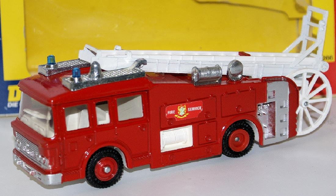 1978 DINKY #266 Diecast ERF FIRE TENDER Truck - 3