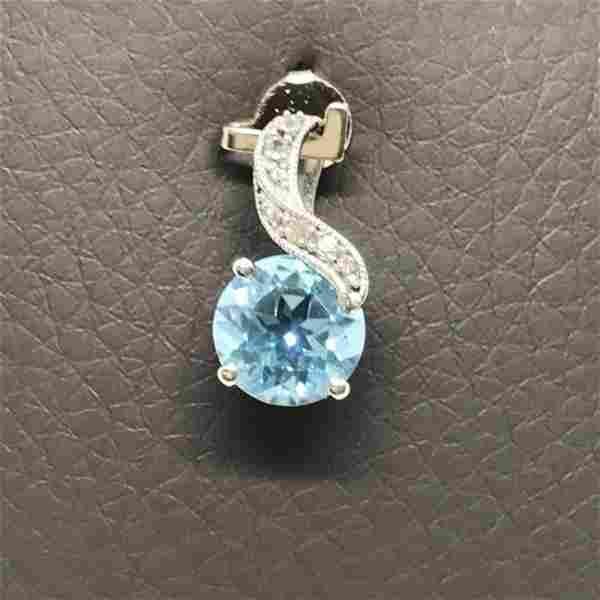 10K White Gold Blue Topaz White Sapphire Pendant 2.35ct