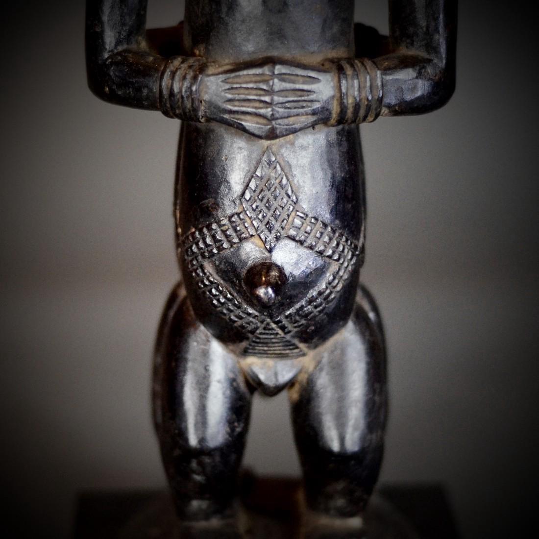 BAOULE Blolo Bla Janus Shrine figure; Women and Men. - 2