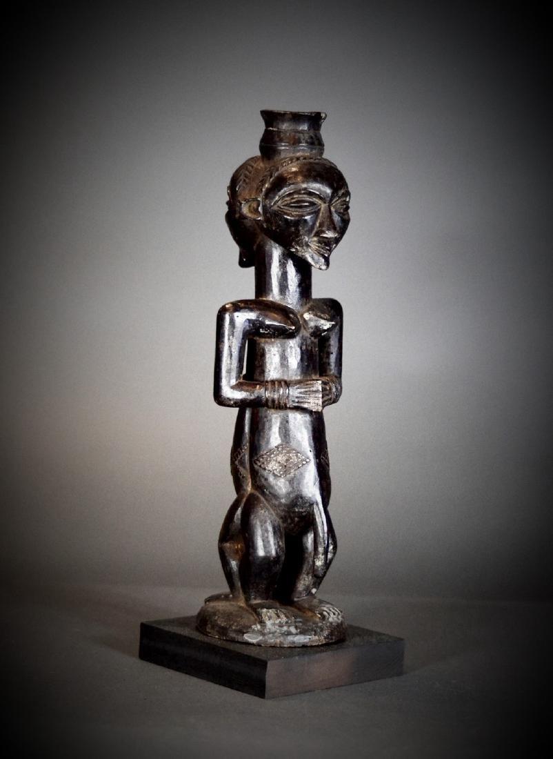 BAOULE Blolo Bla Janus Shrine figure; Women and Men. - 9