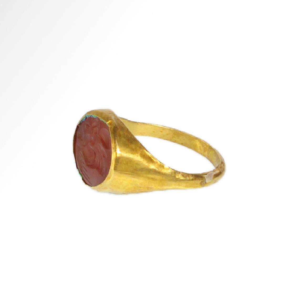 Roman Gold Ring with Cornelian Intaglio of Victory, c. - 4