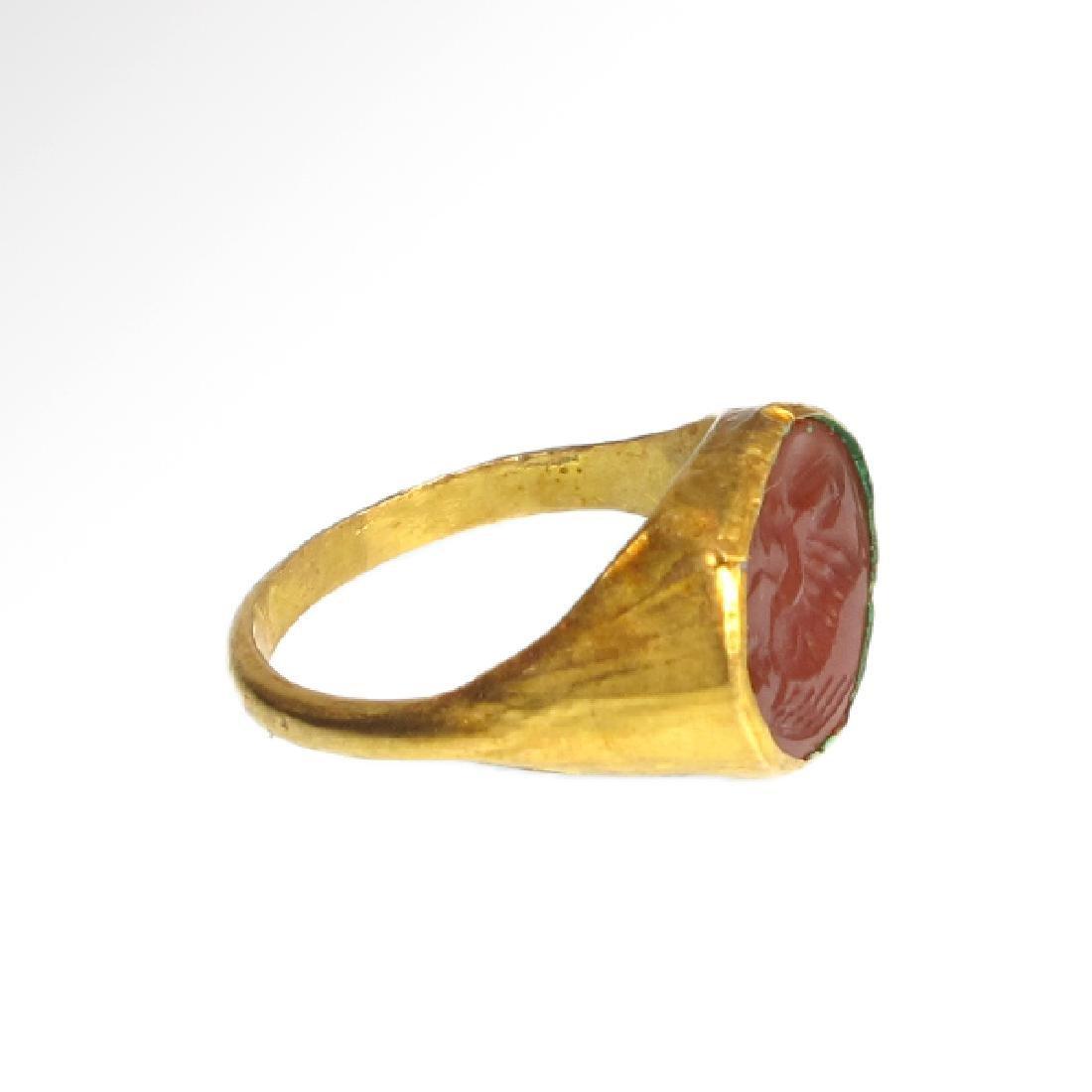 Roman Gold Ring with Cornelian Intaglio of Victory, c. - 5