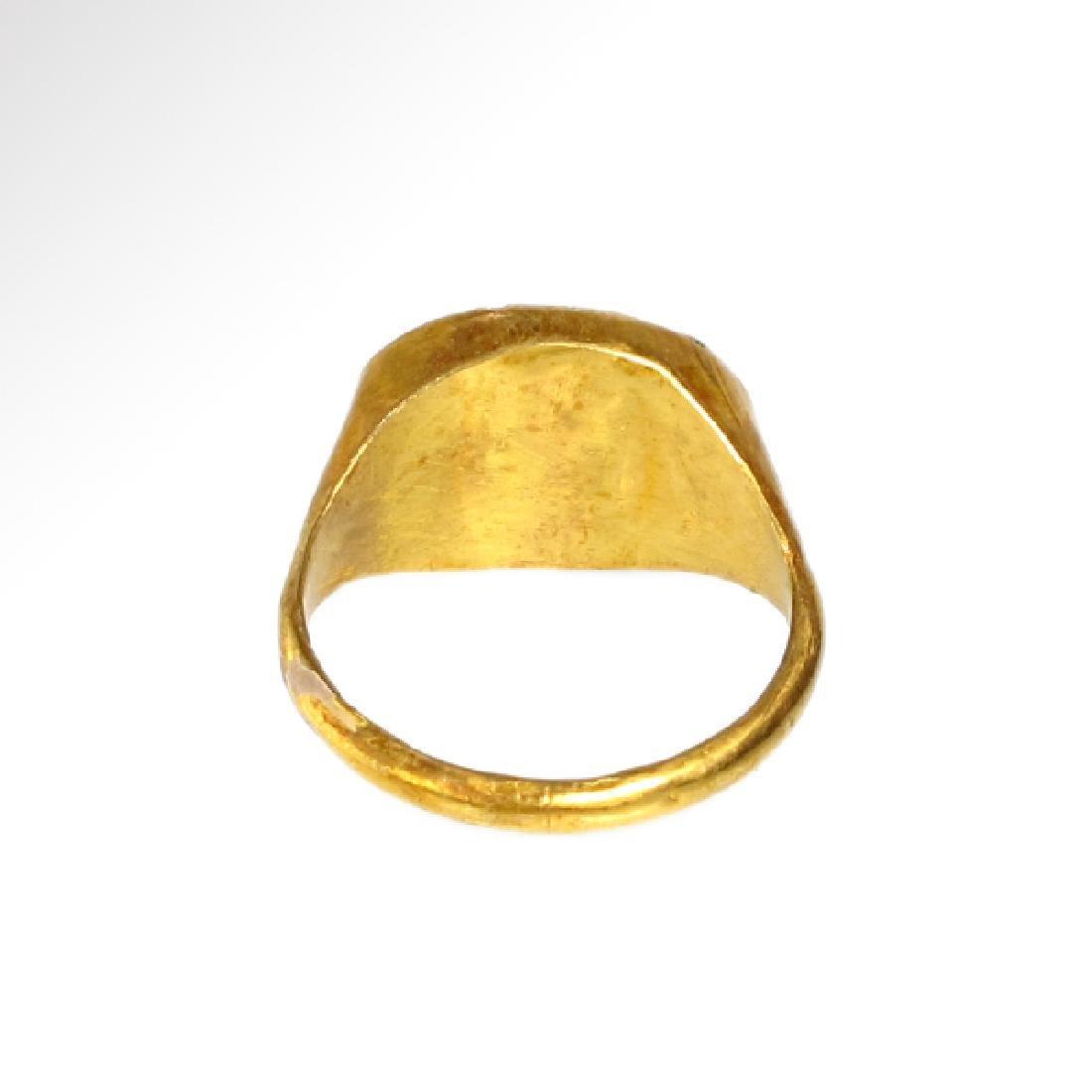Roman Gold Ring with Cornelian Intaglio of Victory, c. - 6