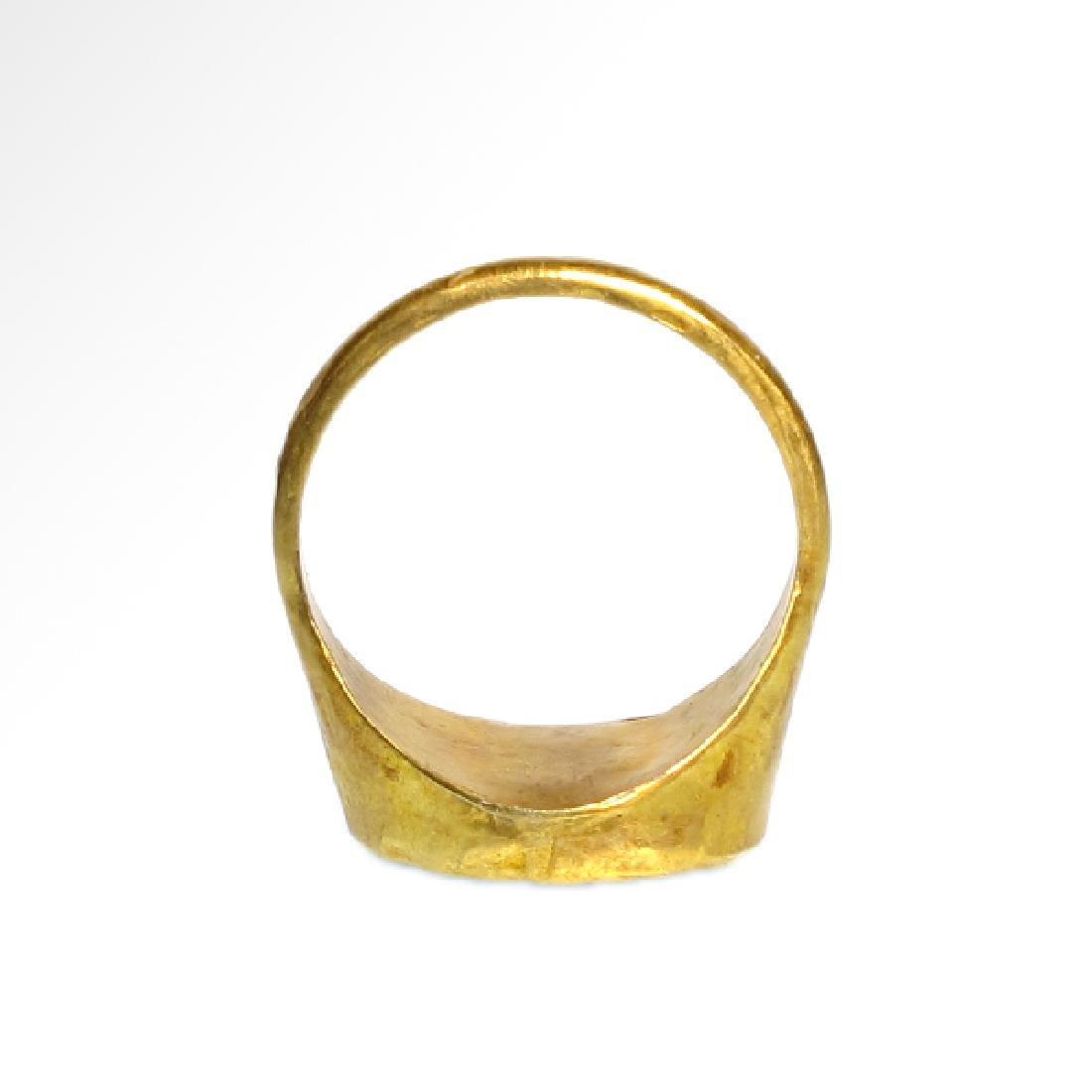 Roman Gold Ring with Cornelian Intaglio of Victory, c. - 7