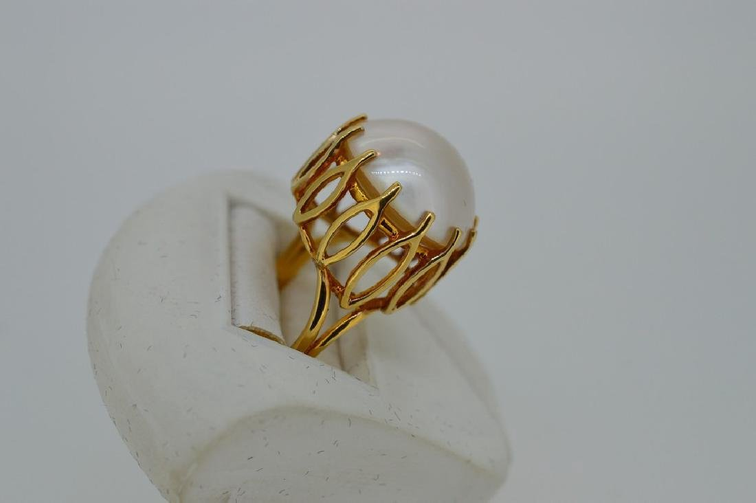 Ladies Mid-Century 14k Yellow Gold Mabe Pearl Ring - 2