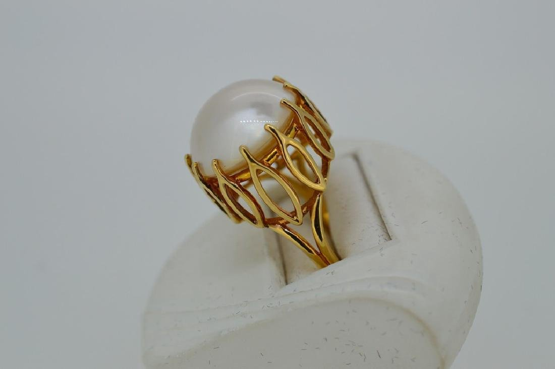 Ladies Mid-Century 14k Yellow Gold Mabe Pearl Ring - 3