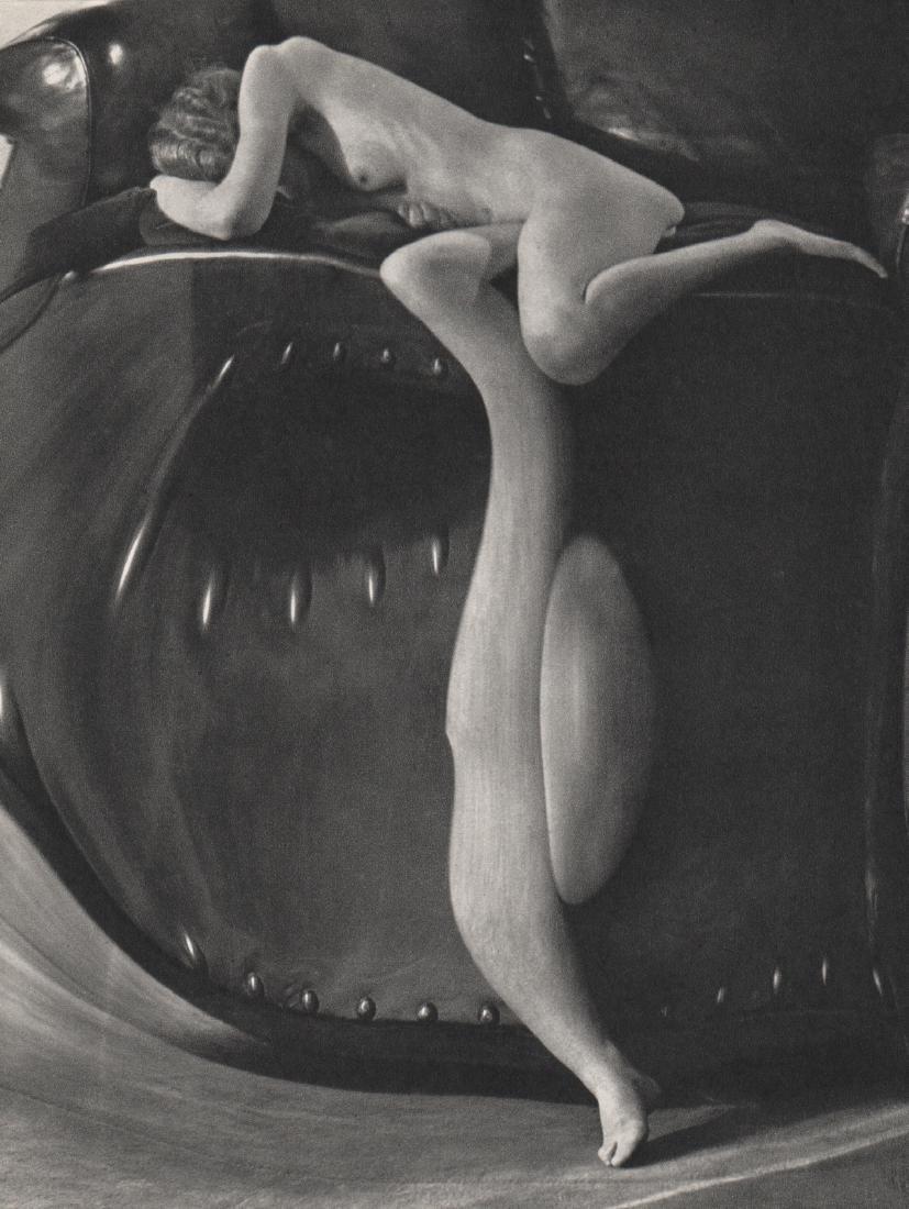 ANDRE KERTESZ - Distortion #60. 1933 Paris