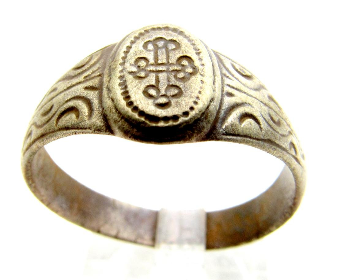 Tudor period weeding ring with Cross