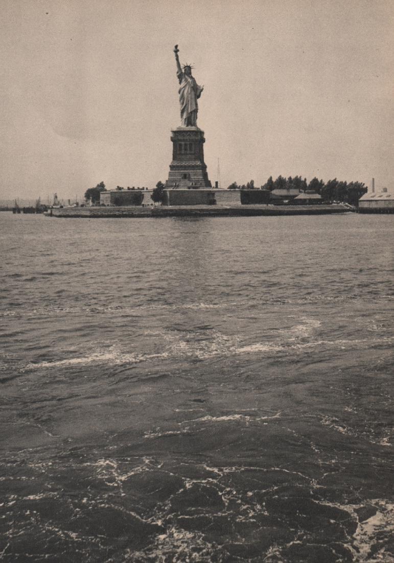 MARIO BUCOVICH - Statue of Liberty