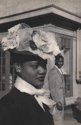 HENRI CARTIER-BRESSON - Easter Sunday in Harlem
