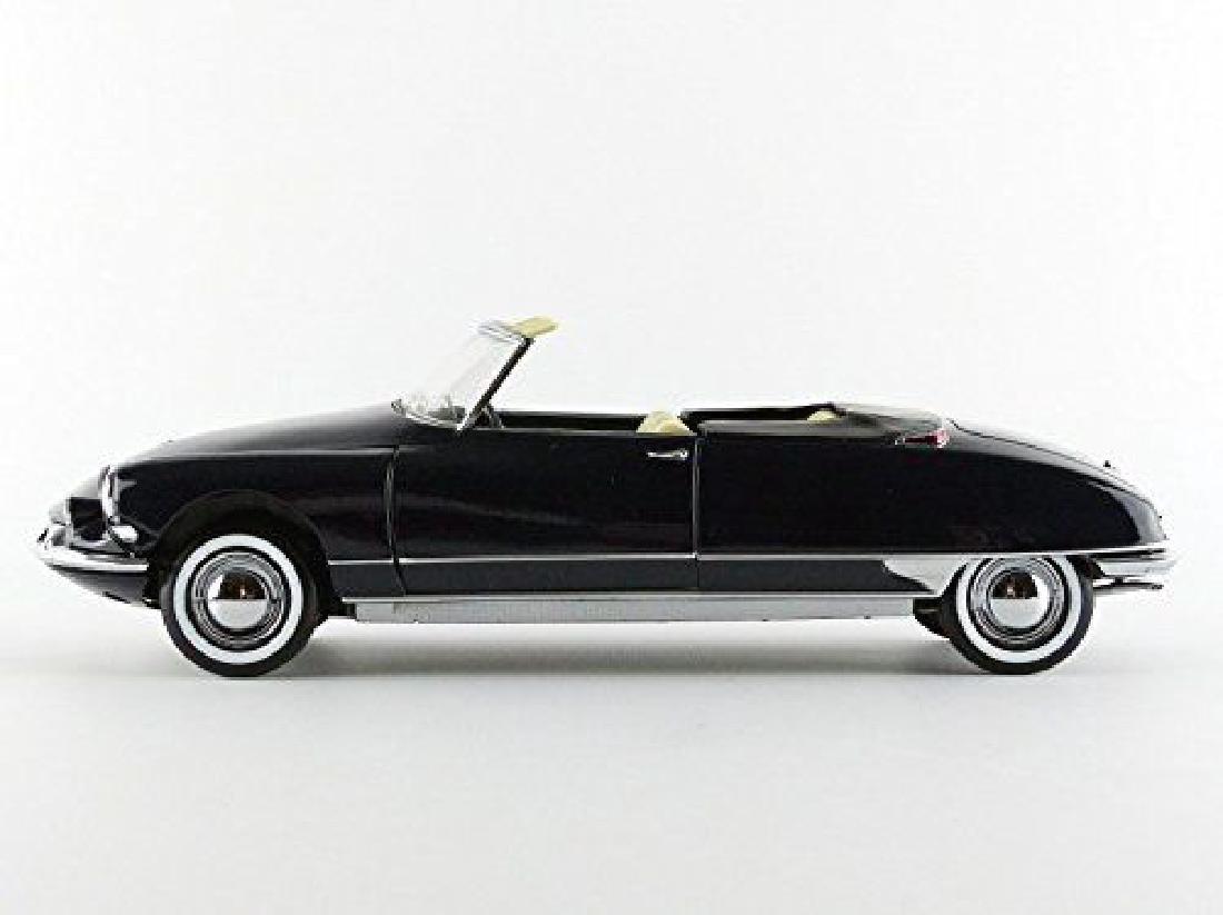 Norev Scale 1:18 Citroën DS 19 Cabriolet 1961 - 10
