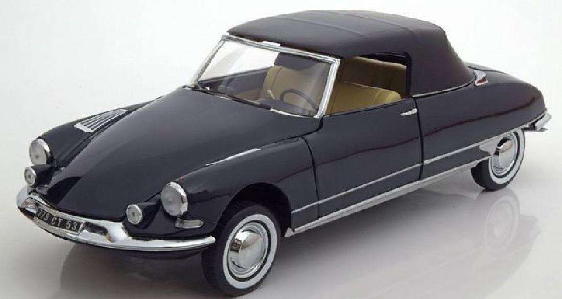 Norev Scale 1:18 Citroën DS 19 Cabriolet 1961 - 6
