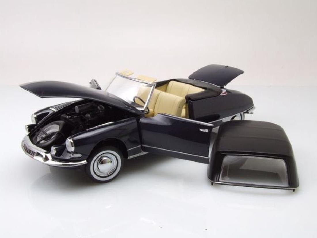 Norev Scale 1:18 Citroën DS 19 Cabriolet 1961 - 7