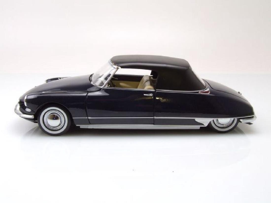 Norev Scale 1:18 Citroën DS 19 Cabriolet 1961 - 9