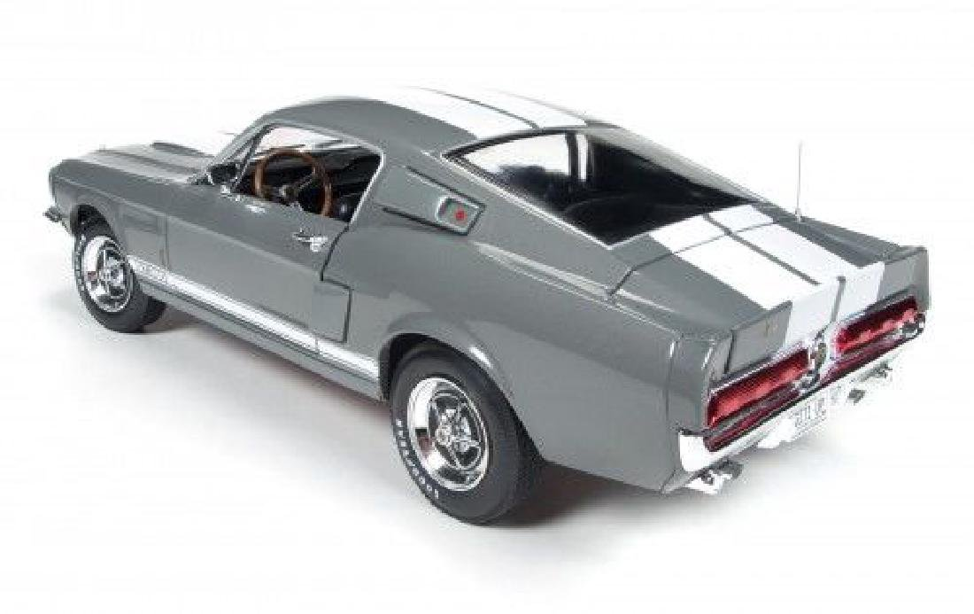 Auto World Scale 1:18 Shelby GT350 50 Anniversary 1967 - 10