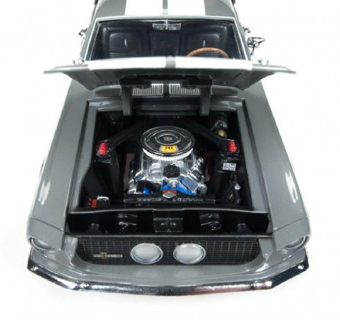 Auto World Scale 1:18 Shelby GT350 50 Anniversary 1967 - 4