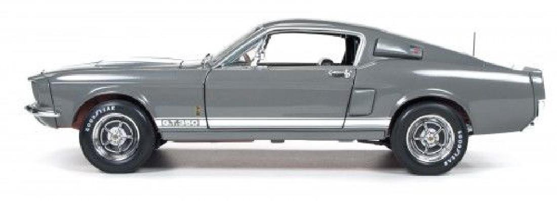 Auto World Scale 1:18 Shelby GT350 50 Anniversary 1967 - 9