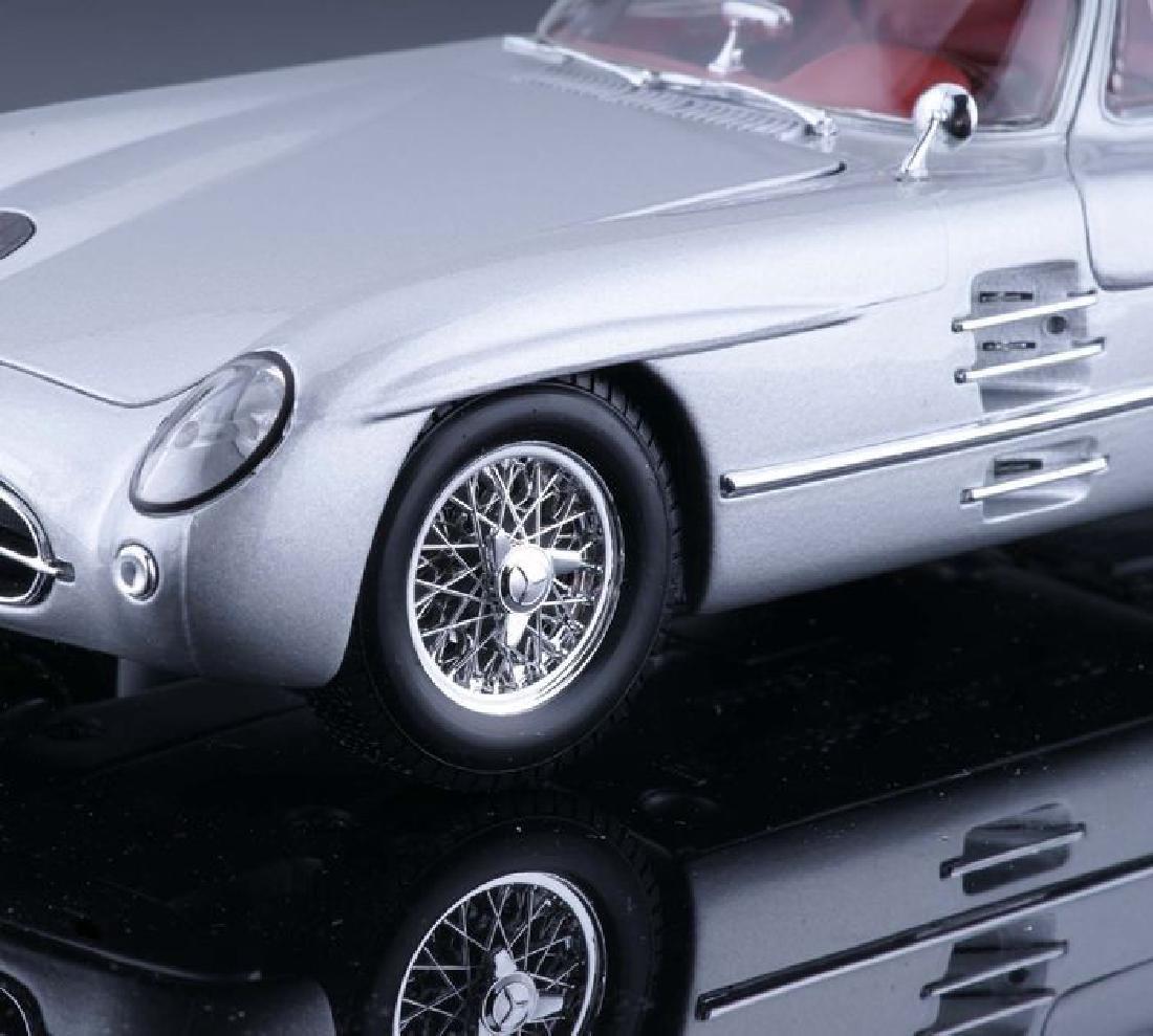 Maisto Scale 1:18 Mercedes-Benz 300 SLR Coupe - 2