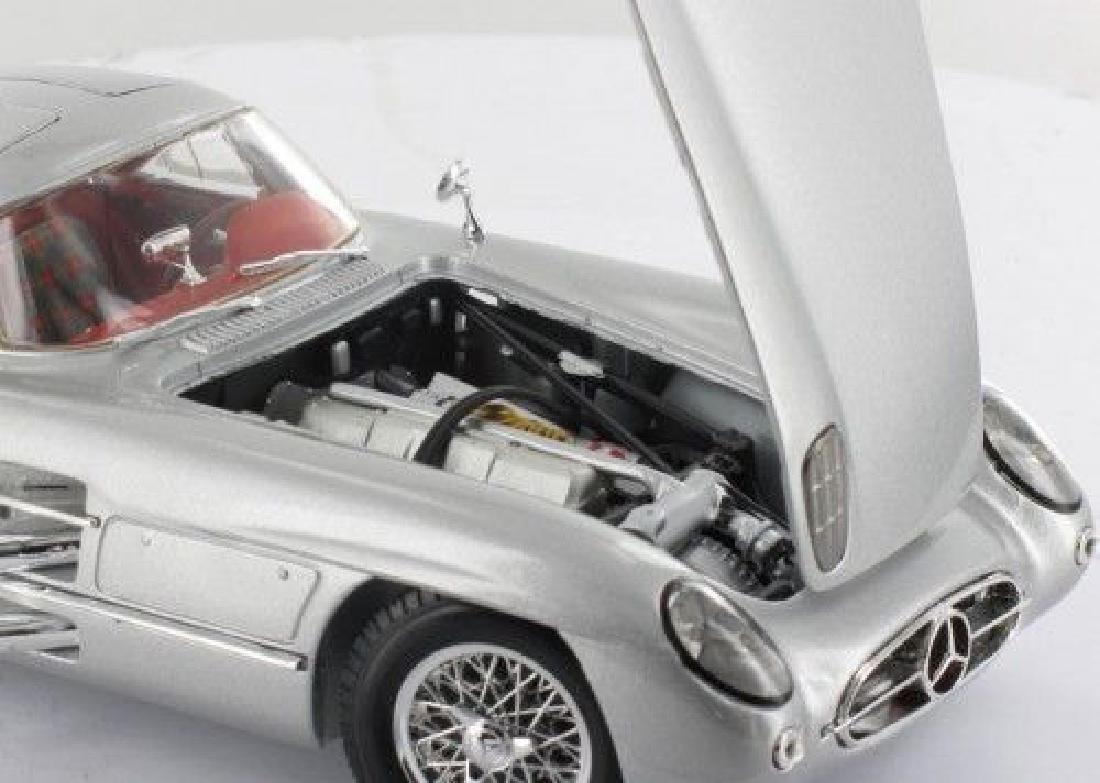 Maisto Scale 1:18 Mercedes-Benz 300 SLR Coupe - 7