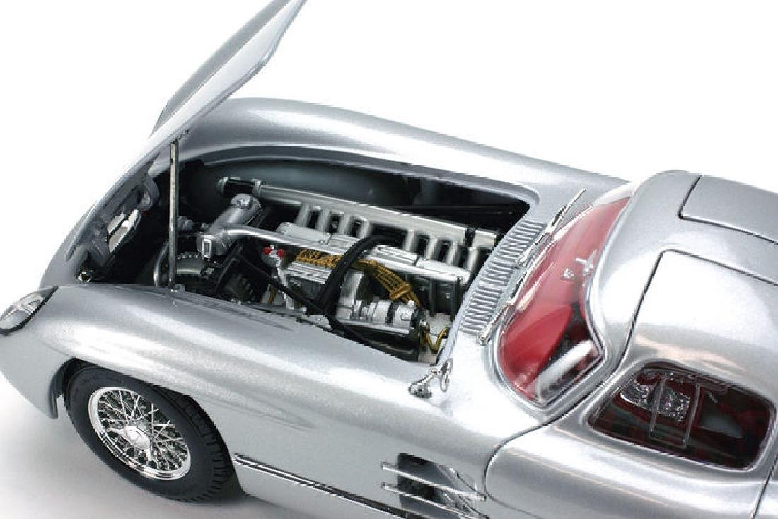 Maisto Scale 1:18 Mercedes-Benz 300 SLR Coupe - 8
