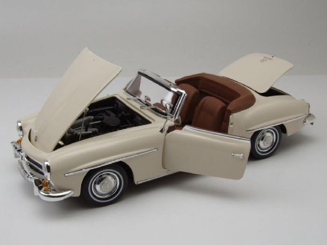 Norev Scale 1:18 Mercedes-Benz 190 SL 1957 - 10