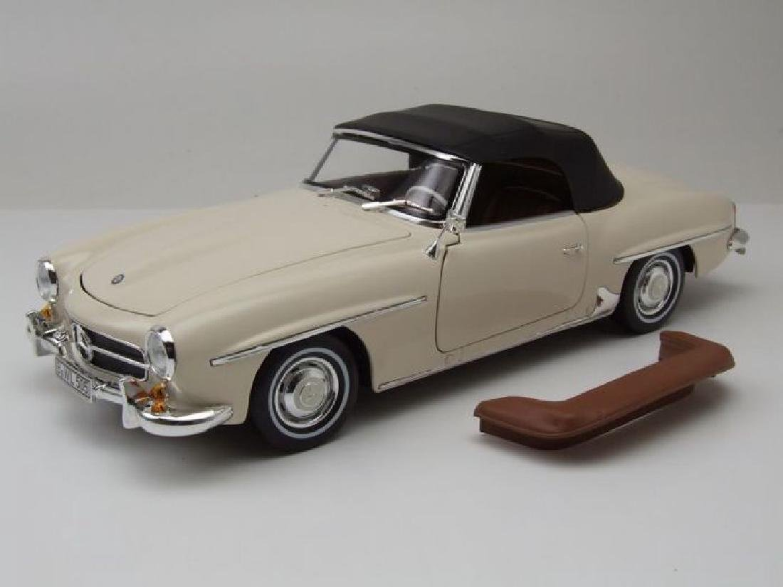 Norev Scale 1:18 Mercedes-Benz 190 SL 1957 - 9