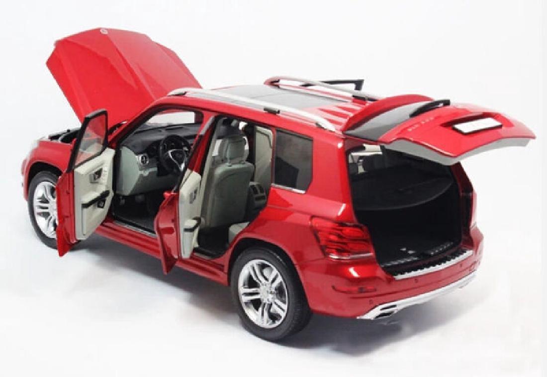 Welly GT Autos Scale 1:18 Mercedes-Benz GLK - 7