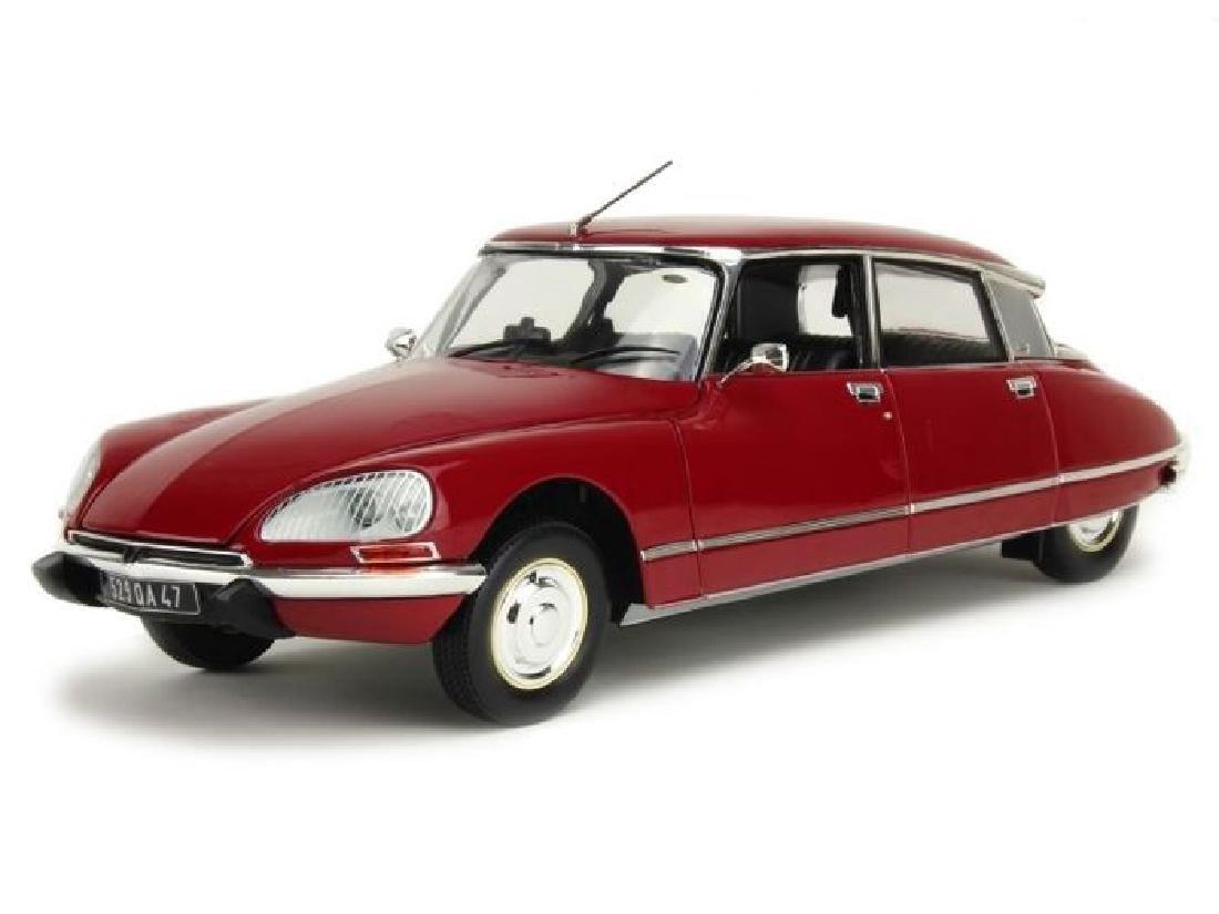 Norev Scale 1:18 Citroën DS23 1973 - 6