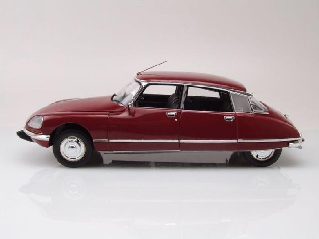 Norev Scale 1:18 Citroën DS23 1973 - 9