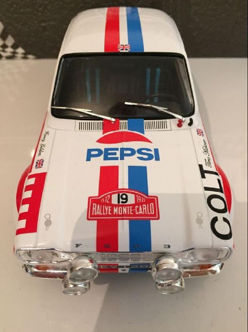 Triple 9 Collection Scale 1:18 Ford Escort MK1 19 Rally - 2
