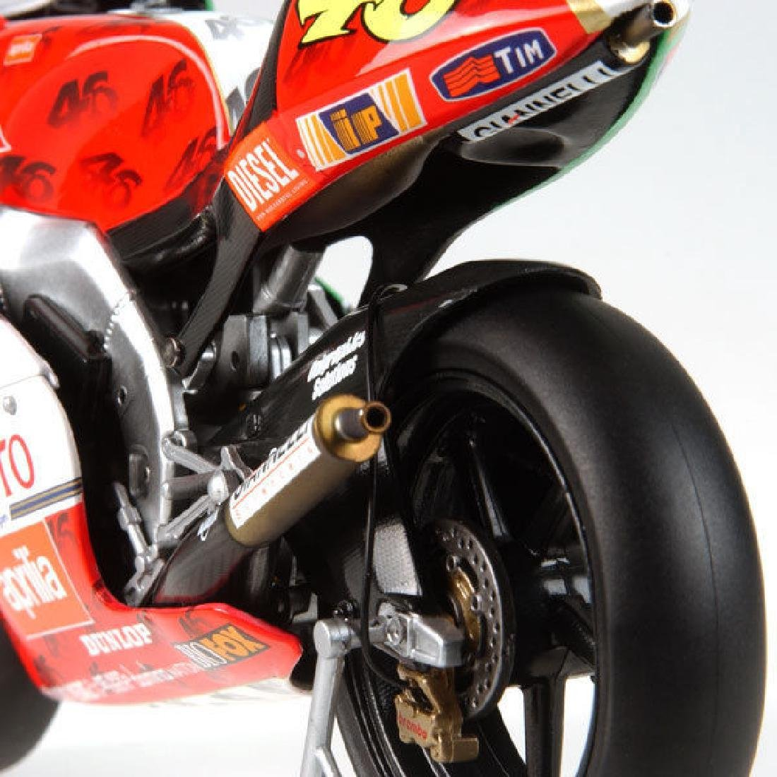 Minichamps Scale 1:12 Aprilia Team Aprilia Grand Prix - 7
