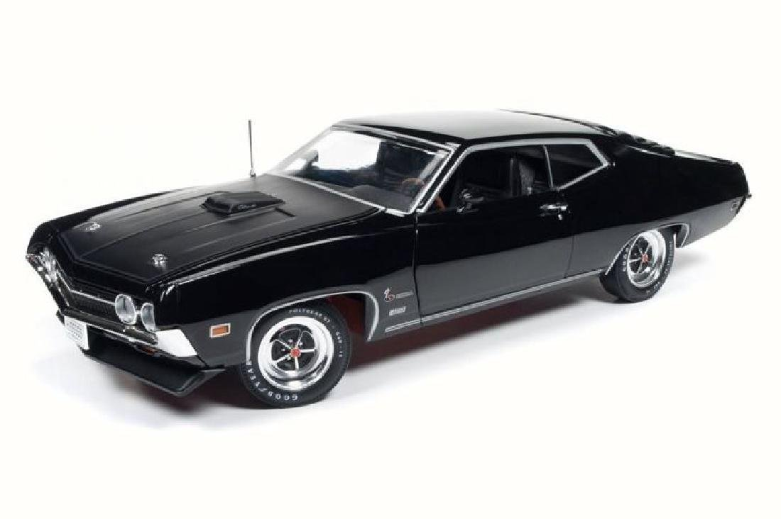 Auto World Scale 1:18 Ford Torino Cobra 1970