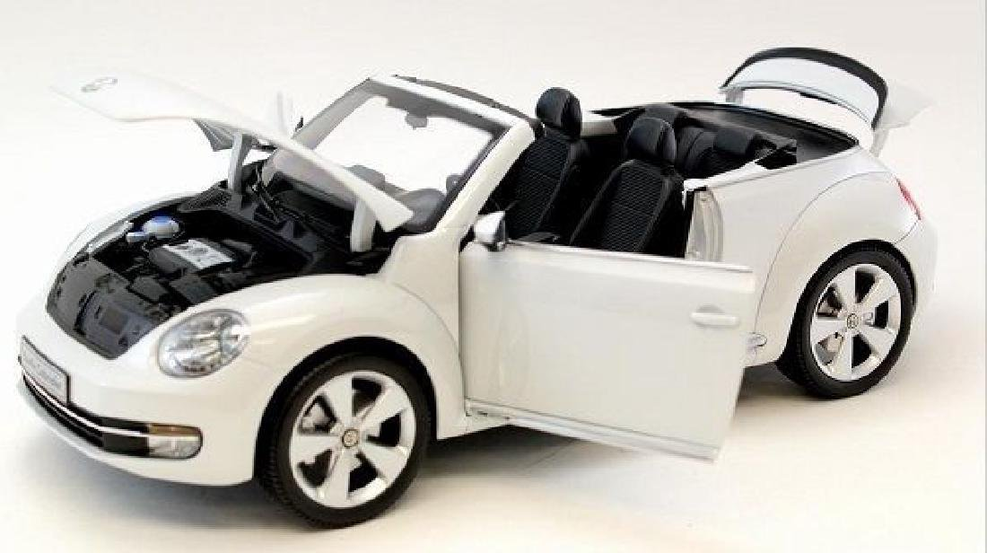 Kyosho Scale 1:18 Volkswagen The Beetle Convertible - 5