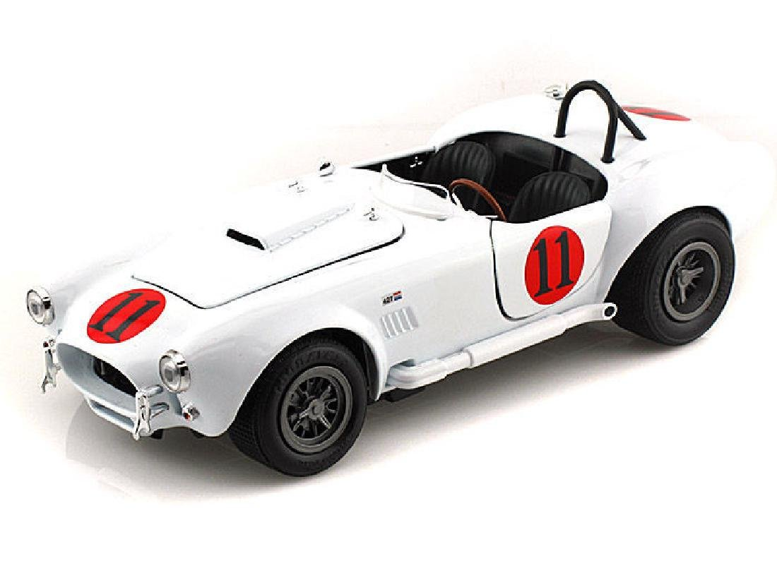 Spinout Elvis Presley Auto World Scale 1:18 1965 Shelby - 3