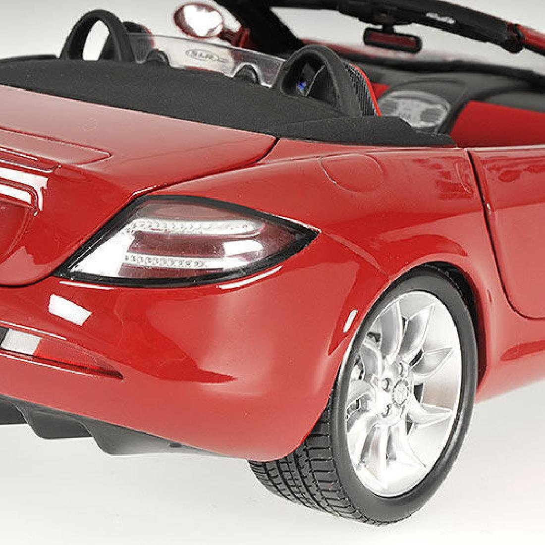 Minichamps Scale 1:18 Mercedes-Benz McLaren Roadster - 10