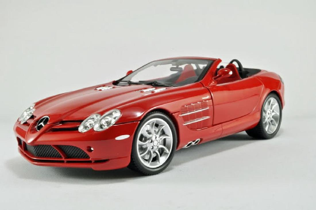 Minichamps Scale 1:18 Mercedes-Benz McLaren Roadster