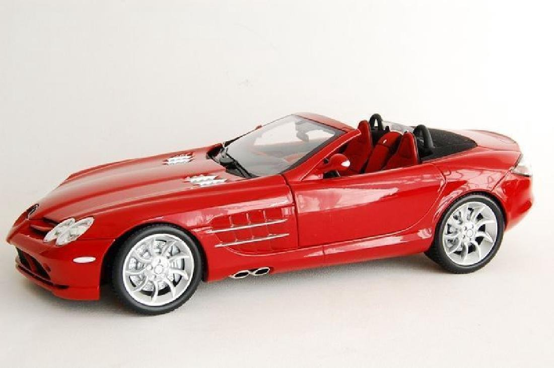Minichamps Scale 1:18 Mercedes-Benz McLaren Roadster - 4