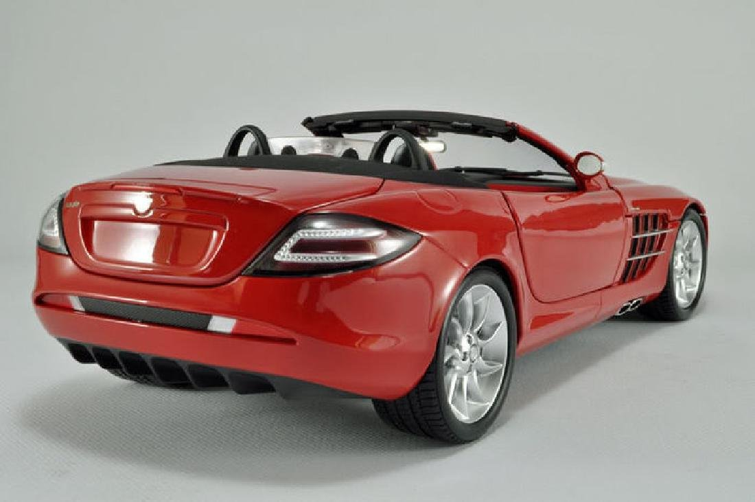 Minichamps Scale 1:18 Mercedes-Benz McLaren Roadster - 9