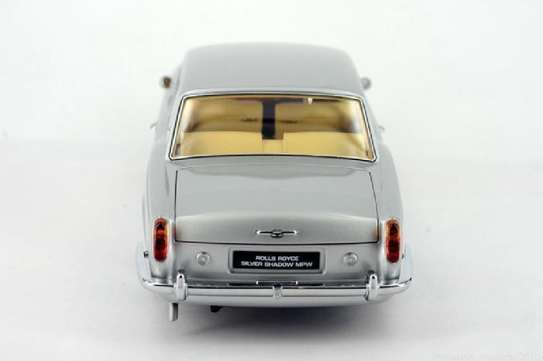 Paragon Models Scale 1:18 Rolls-Royce Silver Shadow - 10