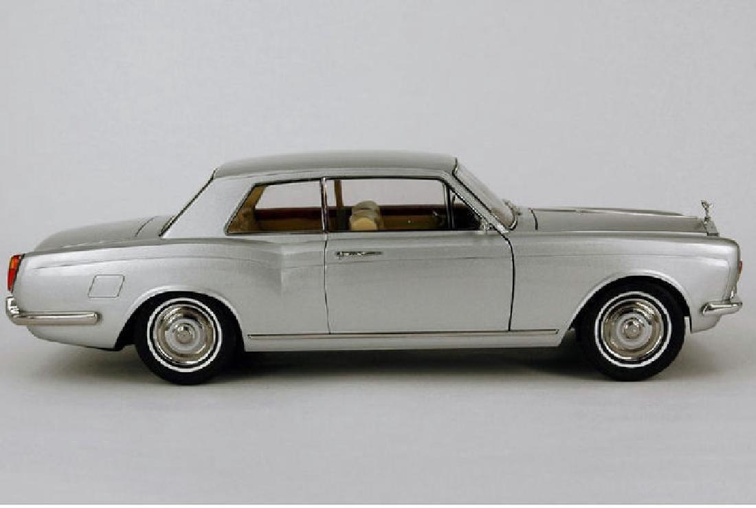 Paragon Models Scale 1:18 Rolls-Royce Silver Shadow - 6