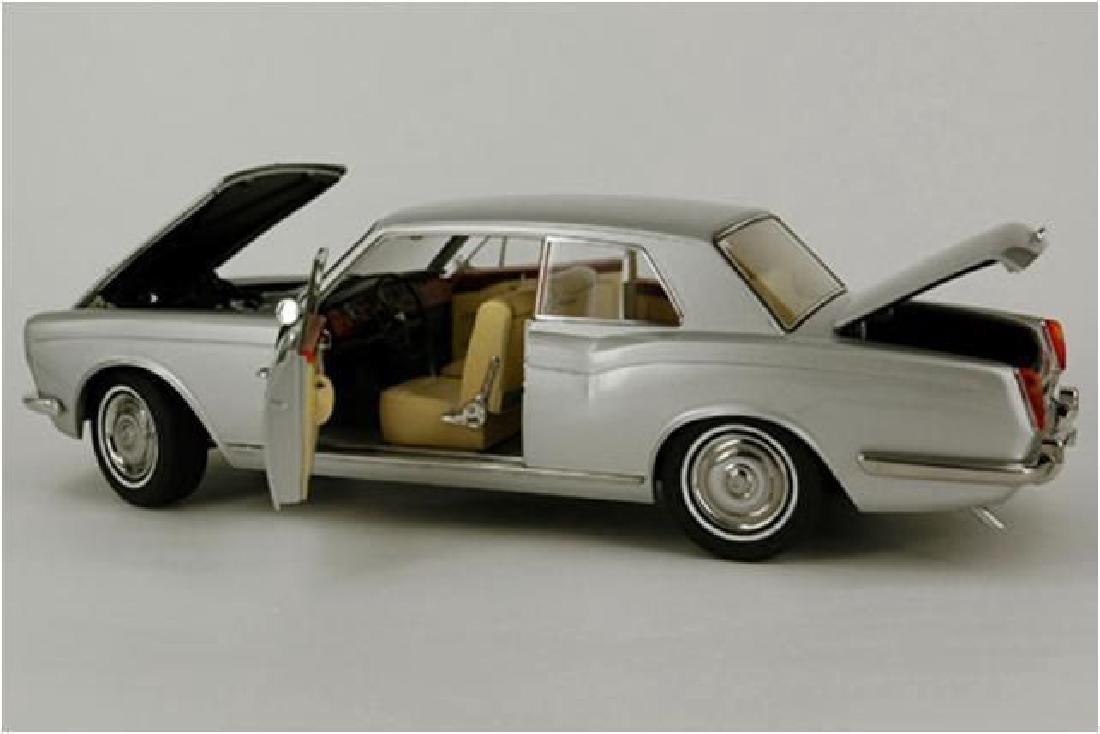 Paragon Models Scale 1:18 Rolls-Royce Silver Shadow - 7