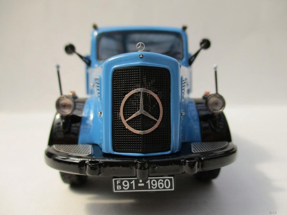 Schuco Scale 1:43 Mercedes-Benz 'Universal Motorgerät' - 2