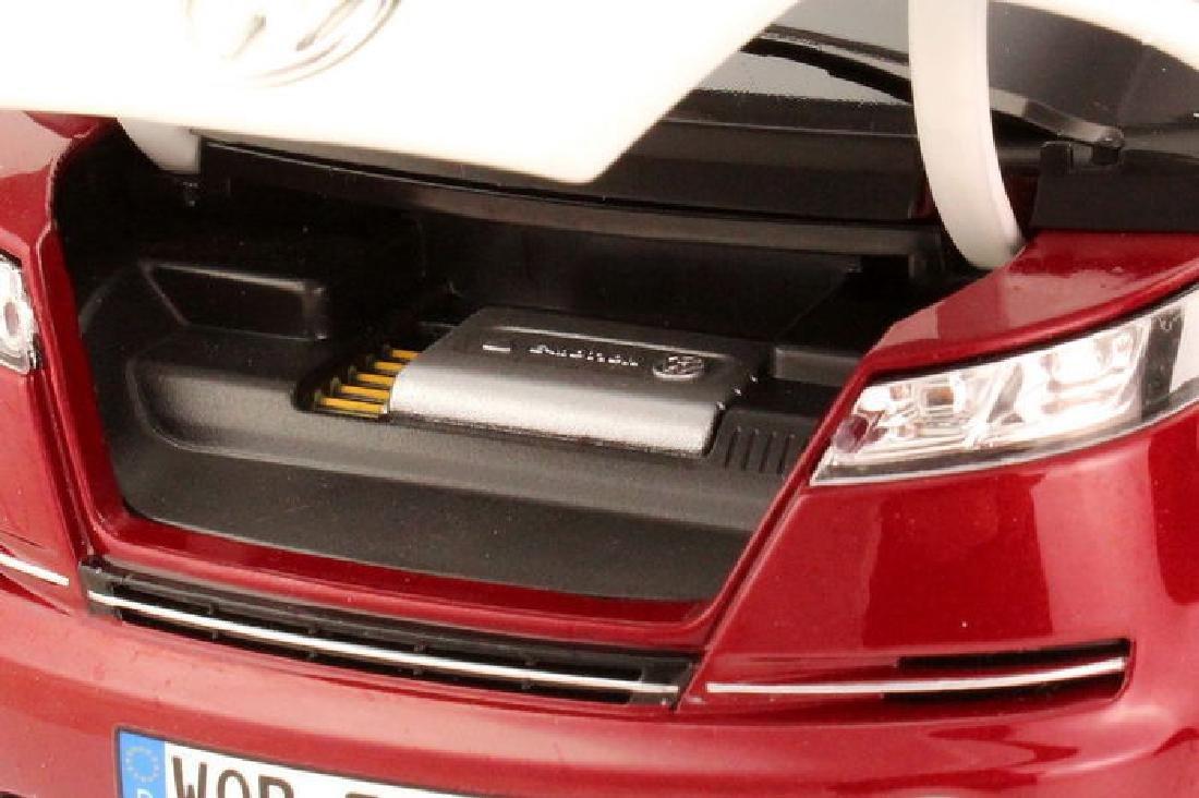Norev Scale 1:18 Volkswagen Bulli - 4