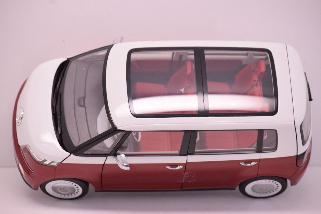 Norev Scale 1:18 Volkswagen Bulli - 9