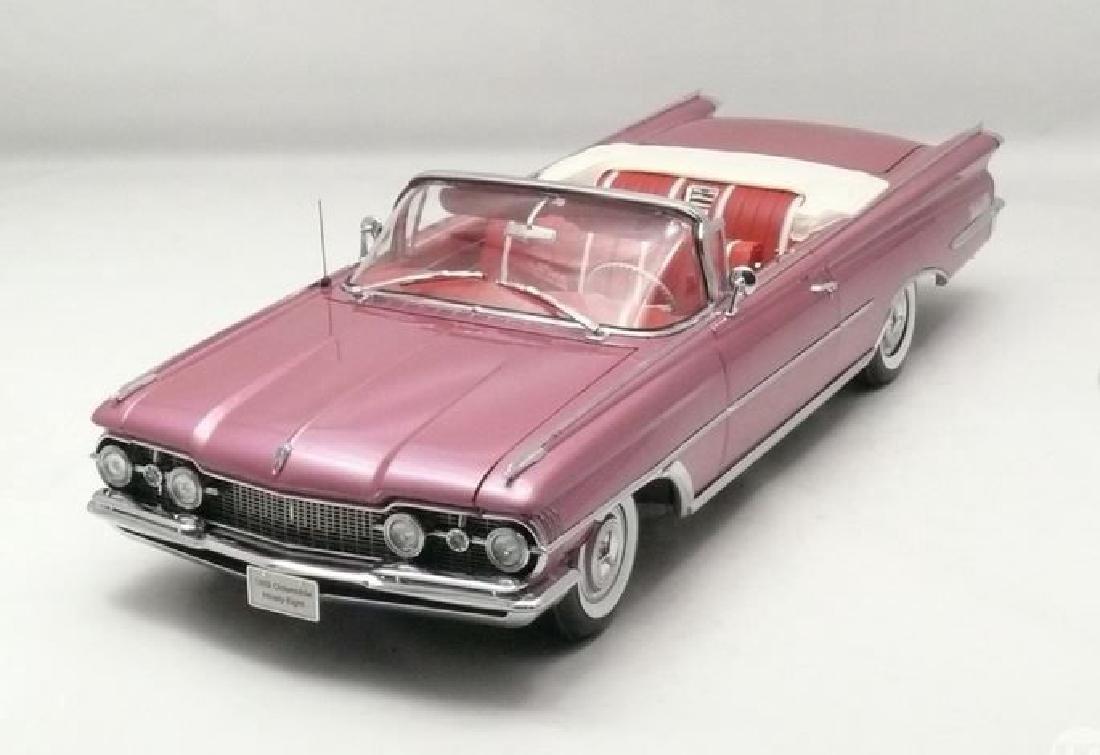 Sun Star Scale 1:18 Oldsmobile Open Convertible 1959