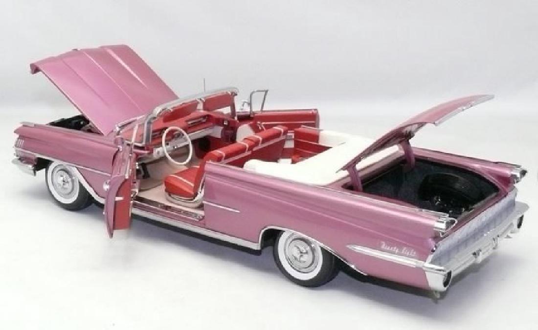 Sun Star Scale 1:18 Oldsmobile Open Convertible 1959 - 7