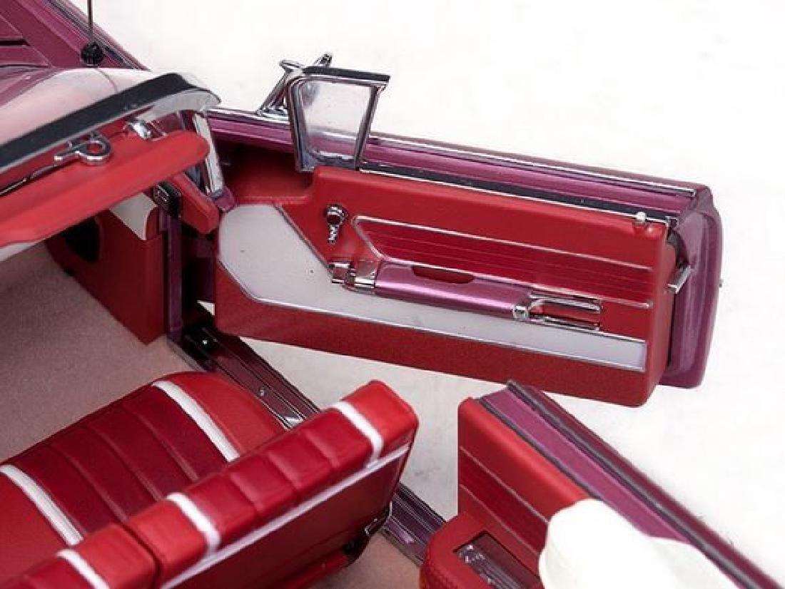 Sun Star Scale 1:18 Oldsmobile Open Convertible 1959 - 9