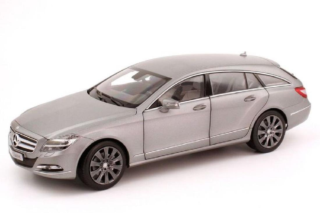 Norev Scale 1:18 Mercedes-Benz CLS-Class Shooting Brake - 5