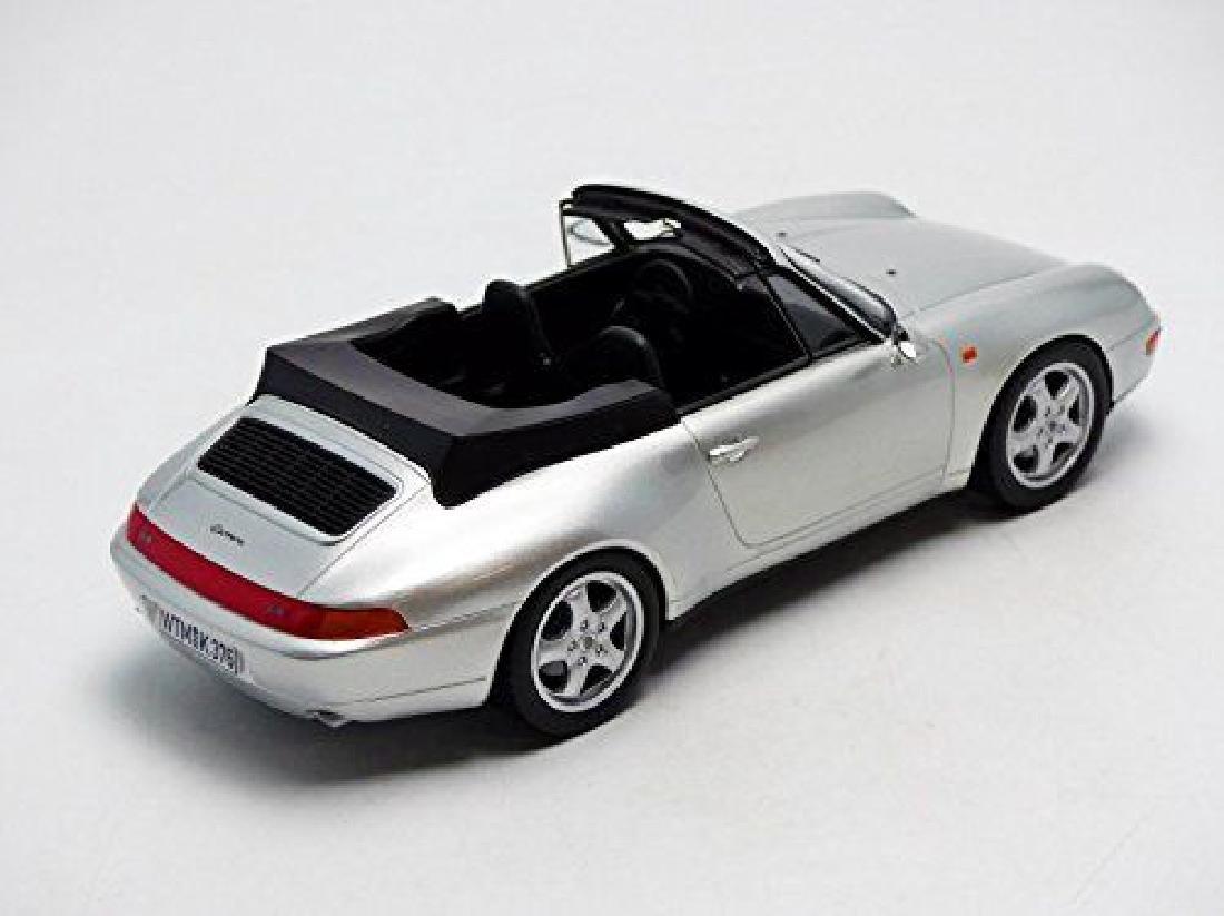 Norev Scale 1:18 Porsche 911 Carrera Cabriolet 1993 - 10