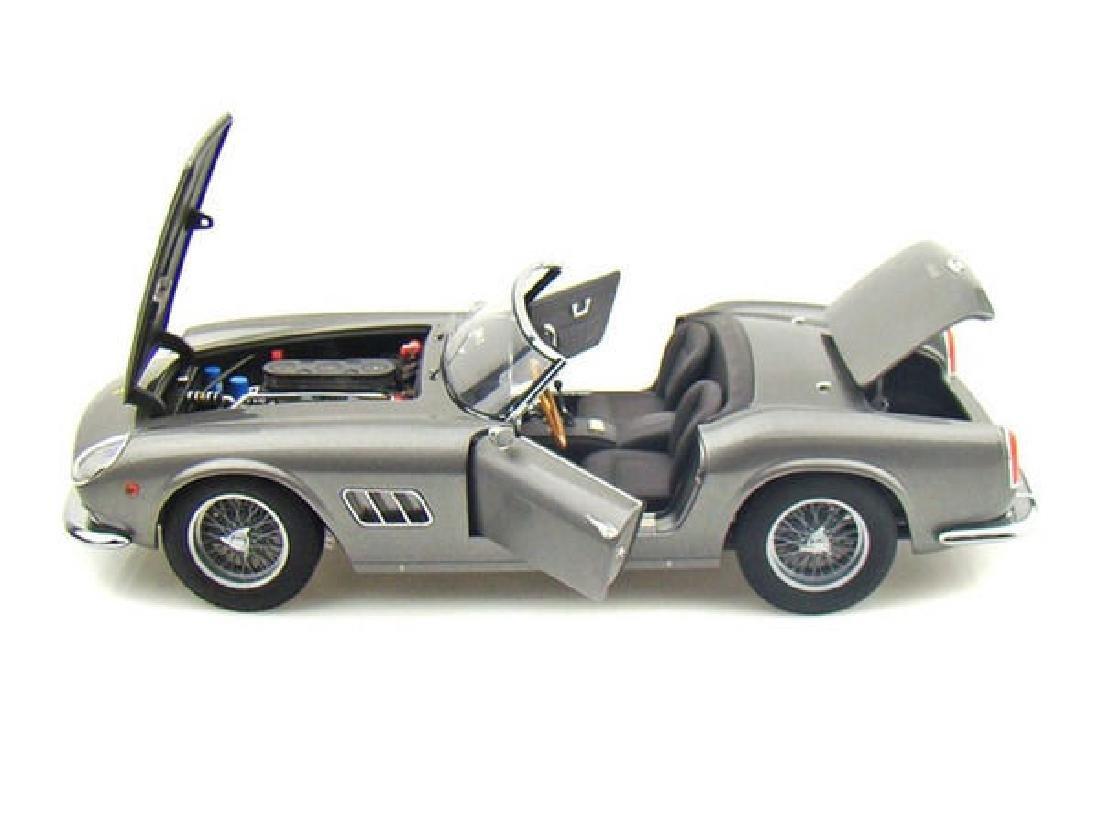 Hot Wheels Elite Scale 1:18 Ferrari 250 Cali Spider - 5